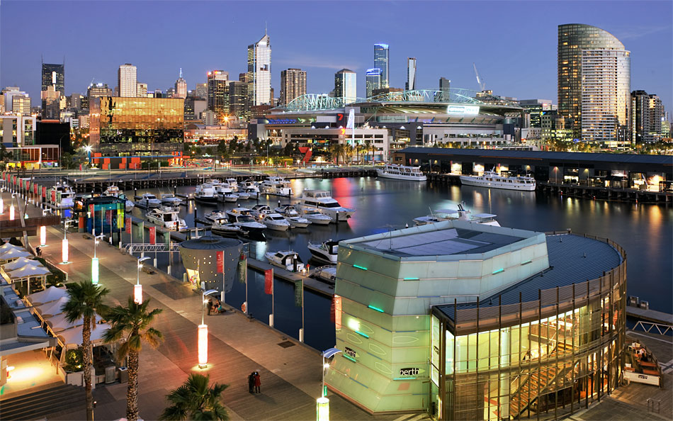 Melbourne Docklands Accommodation Harbour City View